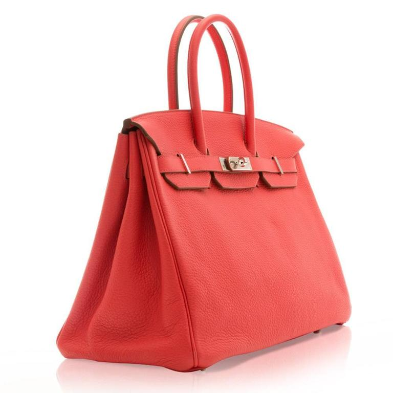 The stunning colour of this Birkin bag adds a playful touch to style. The expertly crafted Birkin bag features a medium-handle, palladium hardware, internal zip-pocket, one spacious internal compartment and the classic lock and key.