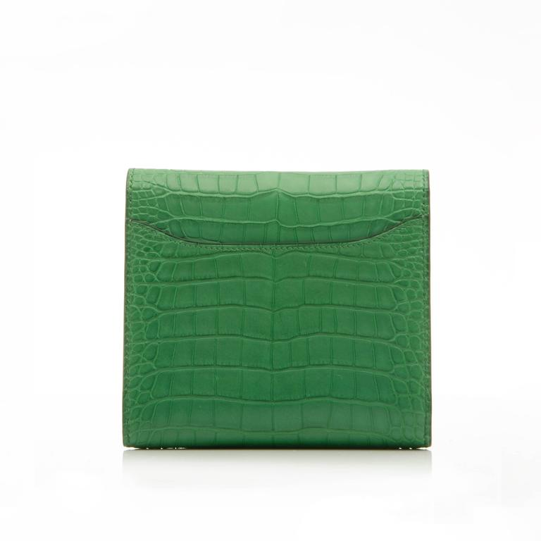 Hermes Constance Compact Wallet In New never worn Condition For Sale In London, GB