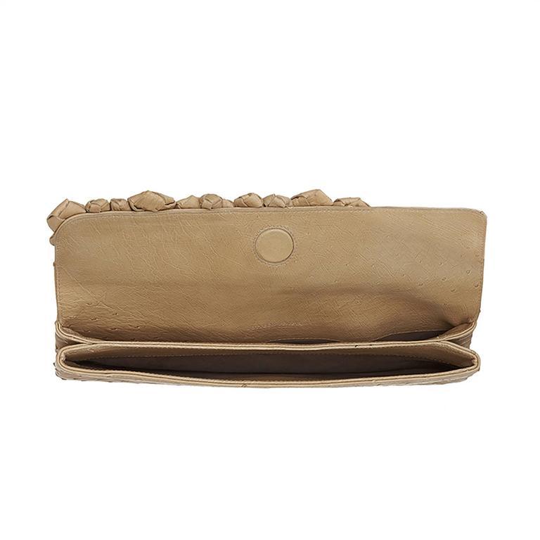 Bottega Veneta Beige Ostrich Leather Clutch Bag For Sale 2