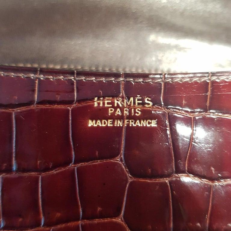 Women's Hermès Miel 23cm Crocodile Constance Bag For Sale