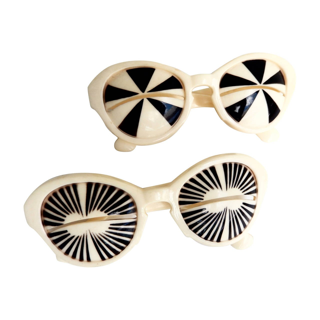 282bc941483 Iconic 1960s Mod Op Art Sunglasses Italy at 1stdibs