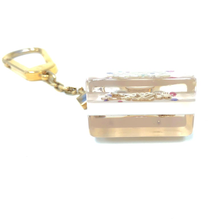 LOUIS VUITTON White Inclusion Speedy Key Holder and Bag Charm In Good Condition For Sale In Westlake Village, CA