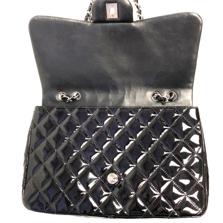 Chanel Classic Quilted Jumbo Single Flap Black Patent Bag  For Sale 2