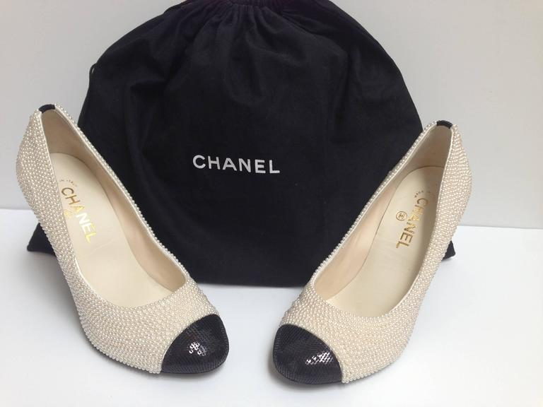 CHANEL Pearl Encrusted Spectator Pumps Cap Toe Shoes Size 40 2