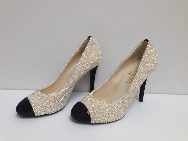 CHANEL Pearl Encrusted Spectator Pumps Cap Toe Shoes Size 40 3