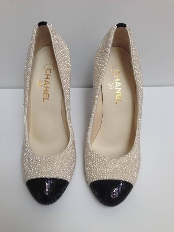 CHANEL Pearl Encrusted Spectator Pumps Cap Toe Shoes Size 40 4