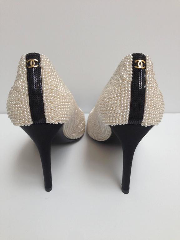 CHANEL Pearl Encrusted Spectator Pumps Cap Toe Shoes Size 40 5