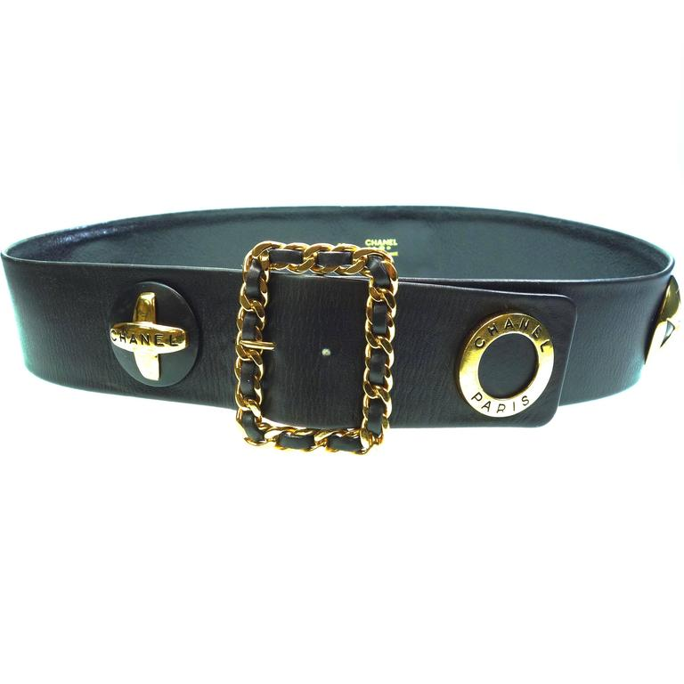 CHANEL 93P Gold CC Logos and Chain Large Buckle Black Belt Vintage 1