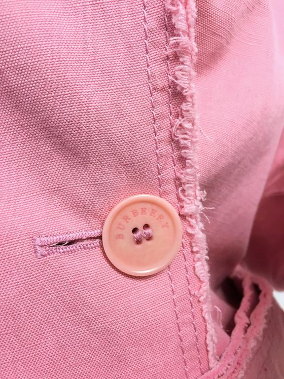 BURBERRY LONDON Signature Pink Fringed Trench Coat New In New Condition For Sale In Westlake Village, CA