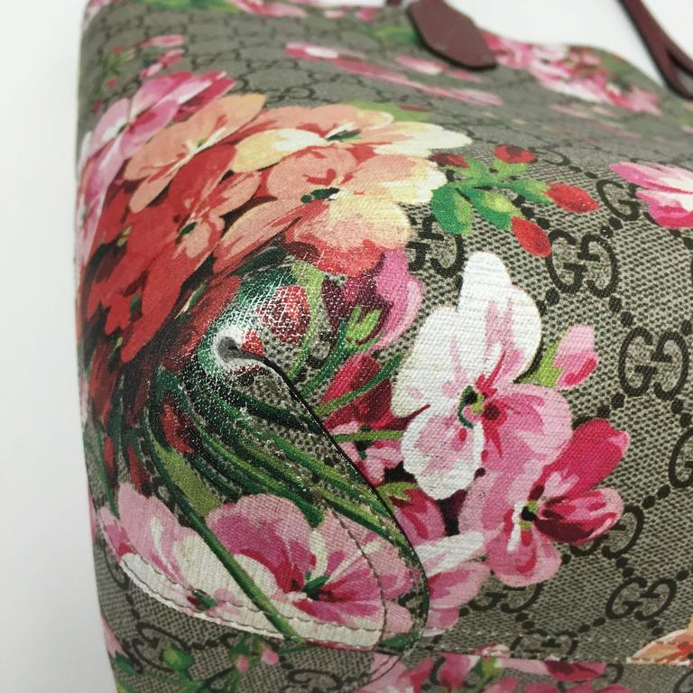 1a1ace0f6 Brown Gucci GG Blooms Medium Reversible Leather Tote Bag Multicolor Rose  For Sale