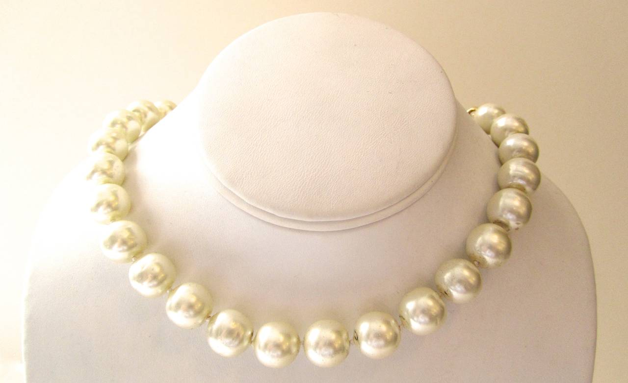Vintage 1980's Chanel Necklace - Pearls with Gold Tone Oval Links 3