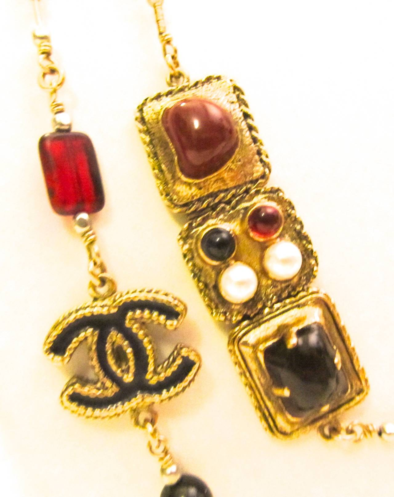 New Chanel Necklace - Gold Tone - Faux Pearls with Ornate Gripoix Stone Inlay For Sale 2