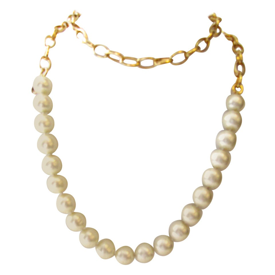 Vintage 1980's Chanel Necklace - Pearls with Gold Tone Oval Links 1