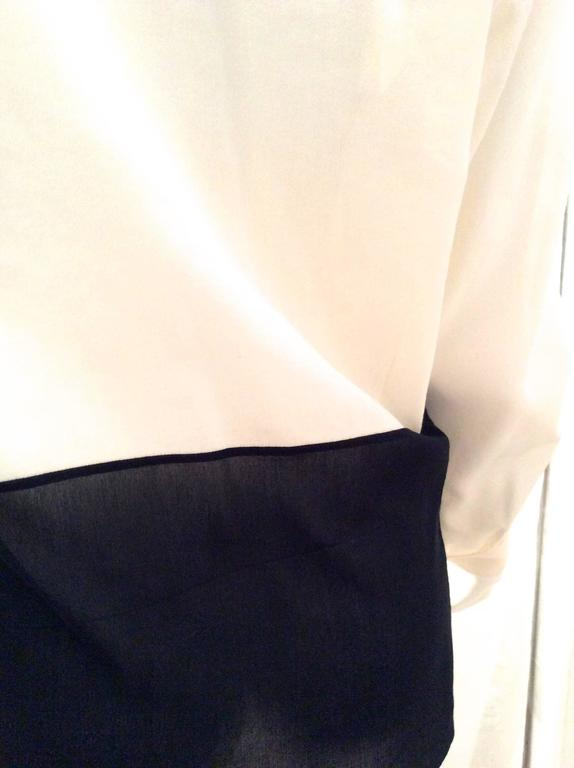 Hermes Silk Blouse - Cream and Navy Classic For Sale 1