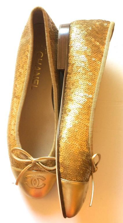 New Chanel Ballerina Flats - Size 37.5 - Gold Sequins with Gold Toe - Rare 5