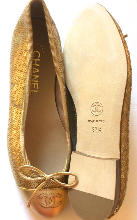 New Chanel Ballerina Flats - Size 37.5 - Gold Sequins with Gold Toe - Rare 4