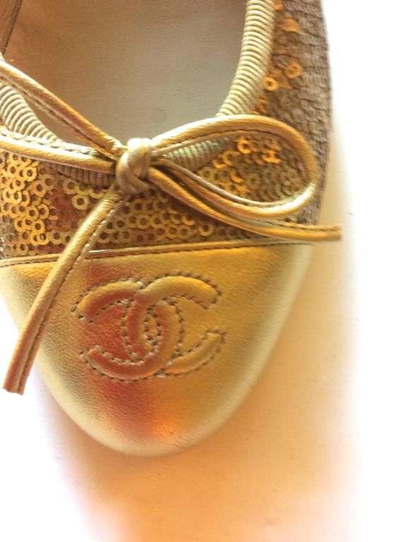 New Chanel Ballerina Flats - Size 37.5 - Gold Sequins with Gold Toe - Rare 6