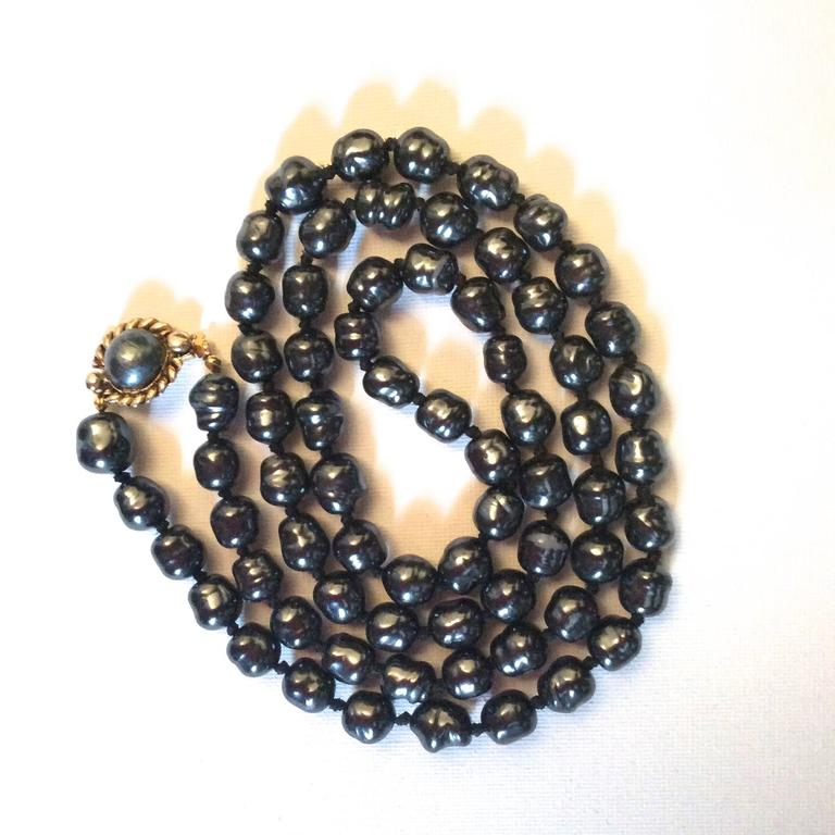 Chanel Dark Gray Pearl Necklace 4