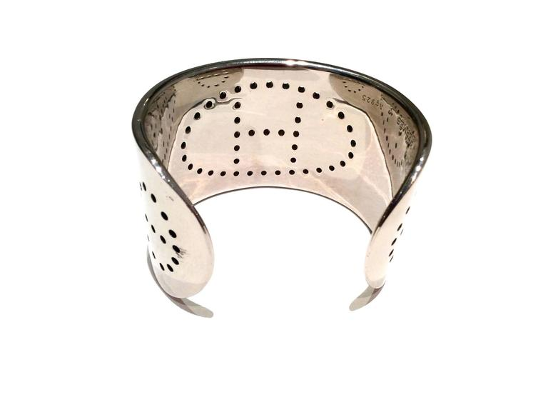 Hermes Eclipse Cuff Bracelet - Sterling Silver In Excellent Condition For Sale In Boca Raton, FL