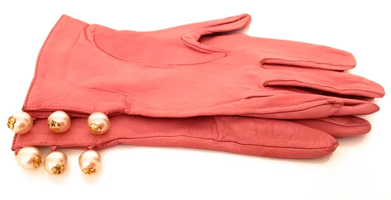 Chanel Leather Gloves with CC Logo Pearls 4