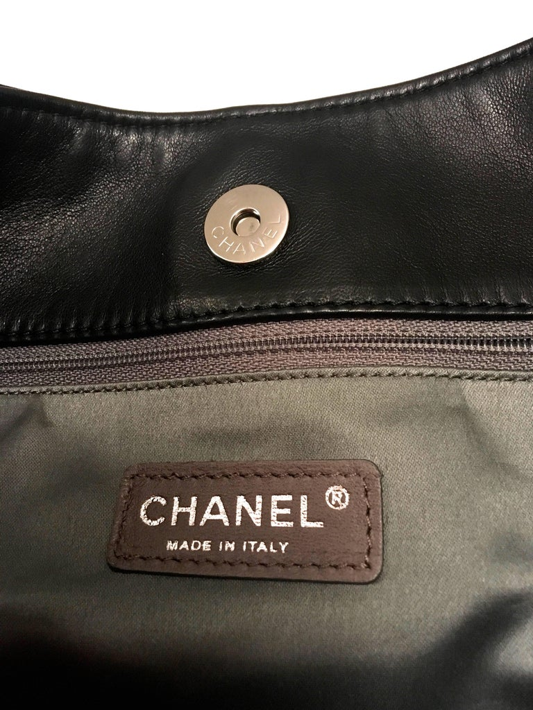 Chanel Purse - Black Lambskin / Patent Leather - XL For Sale 1