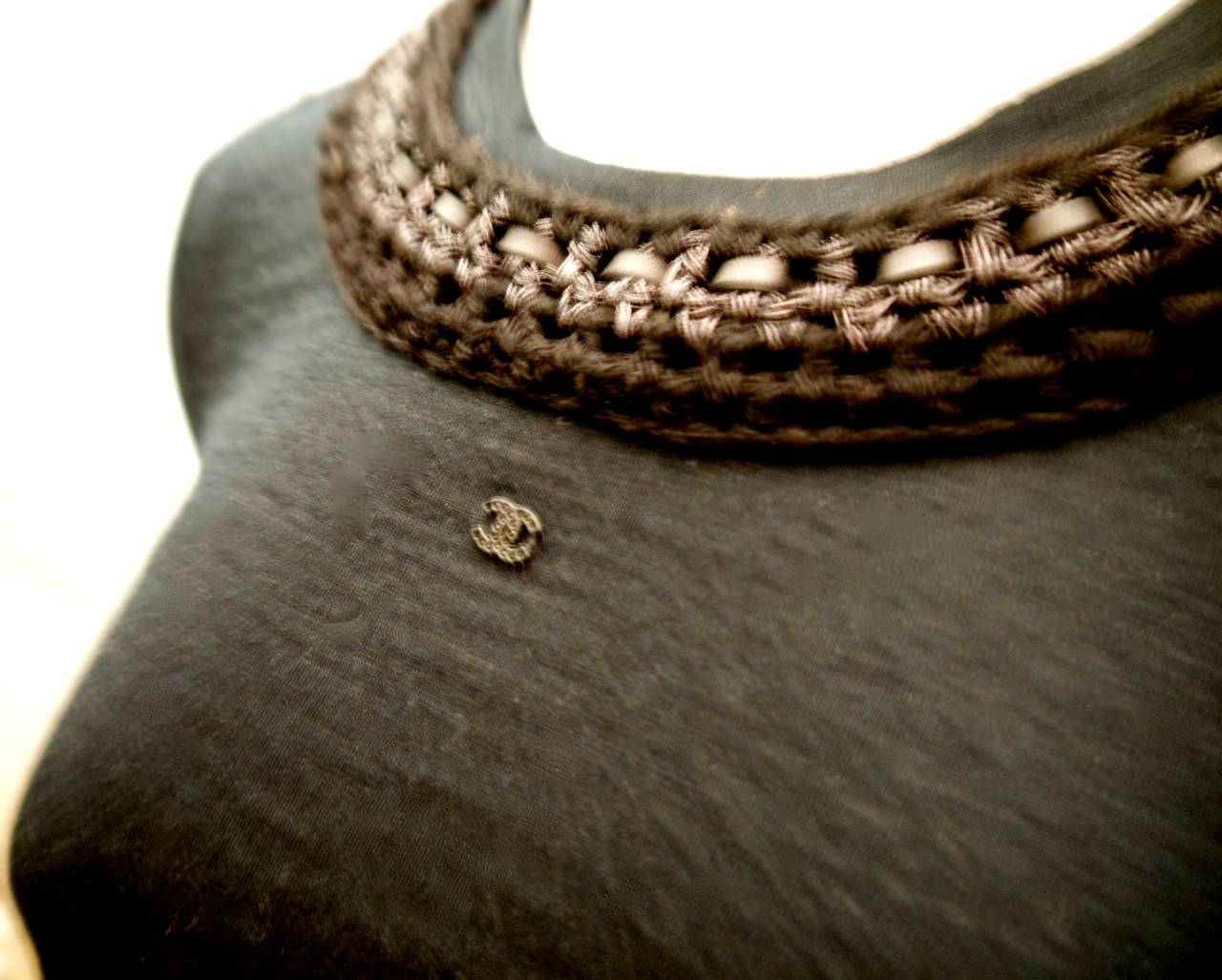 New Chanel Black Top with Intricate Woven Lambskin Collar - Size 36 In New Never_worn Condition For Sale In Boca Raton, FL