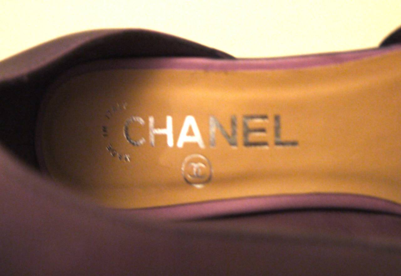 Rare Chanel Runway Boots - Purple and Black - Lucite Heels - Size 37.5 For Sale 3