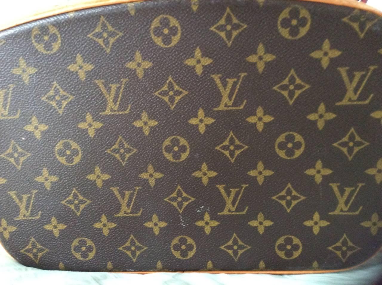 Louis Vuitton Train Case / Traveling Makeup Bag 10