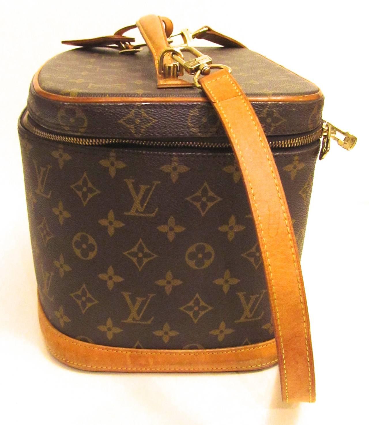 Louis Vuitton Train Case / Traveling Makeup Bag 5