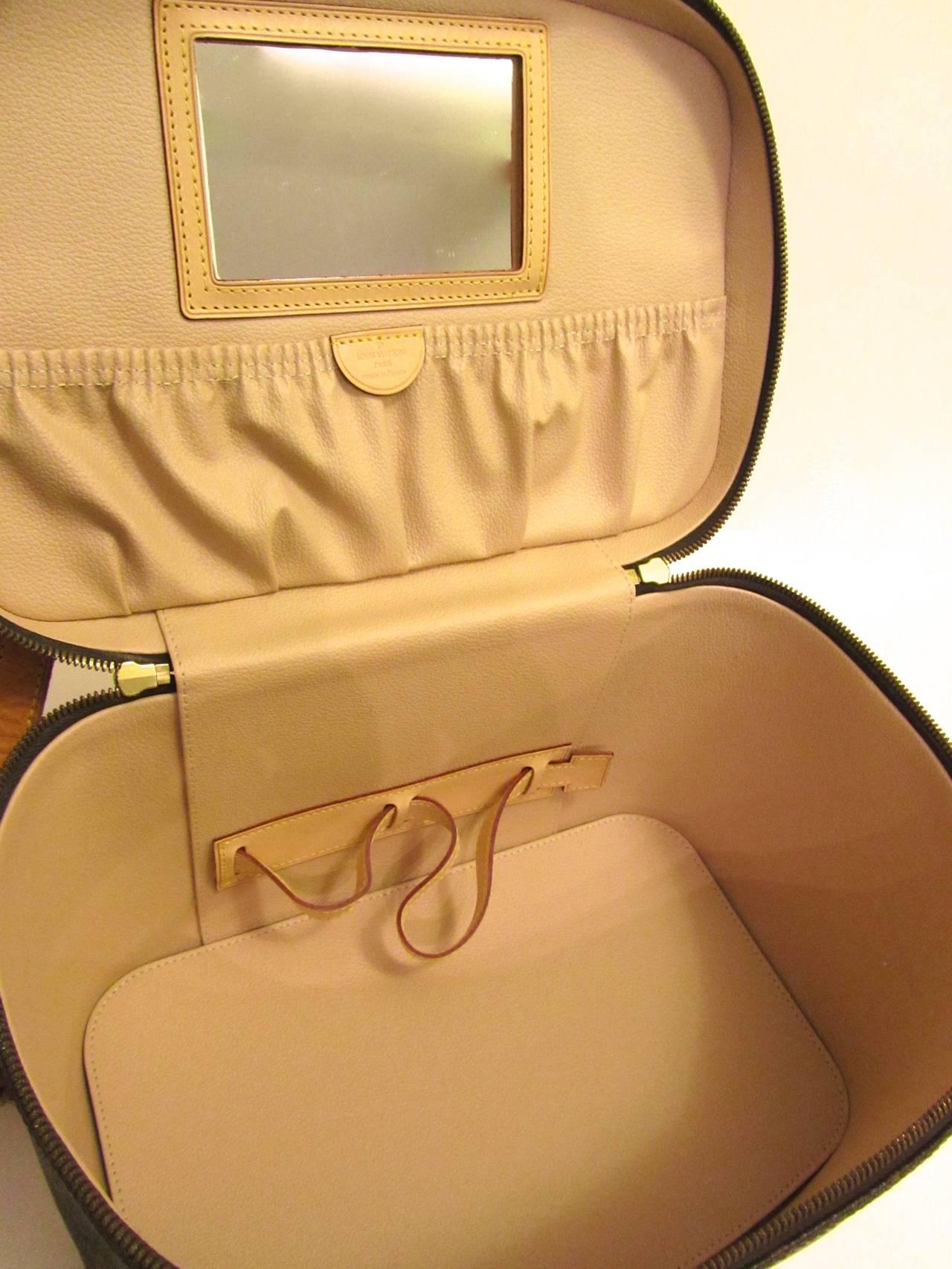 Louis Vuitton Train Case / Traveling Makeup Bag 4