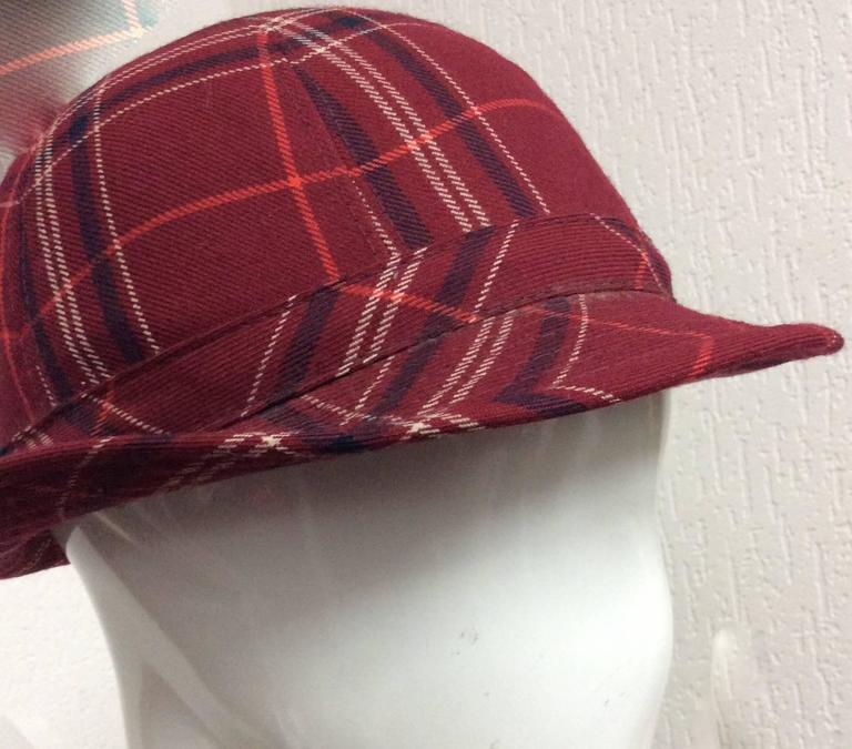 Plaid 1970's Hat In Excellent Condition For Sale In Boca Raton, FL