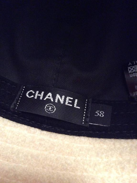 Chanel White Boucle Hat with Gold Tone Camellia - Size 58 4