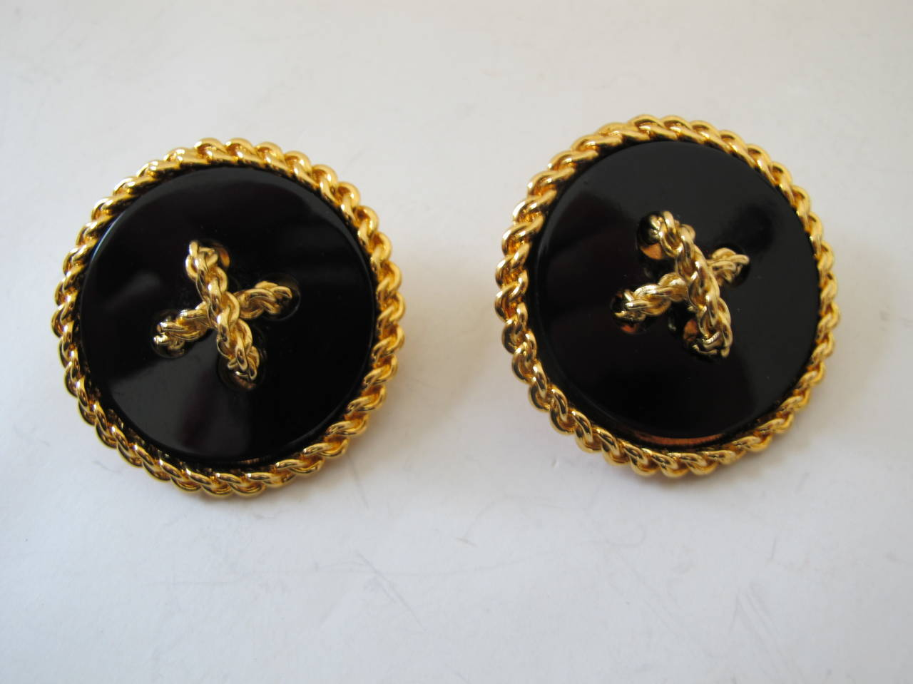 2003 Chanel Gold Chain Over-Sized Circular Black Onyx Clip-On Earrings 2