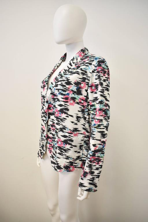 Balenciaga Silk Tiger Print and Floral Blazer Style thin shirt with pointed pane 2