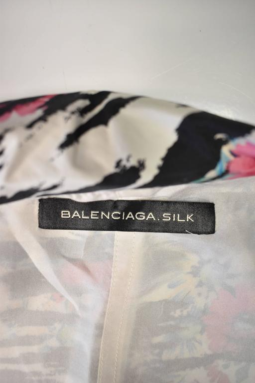 Balenciaga Silk Tiger Print and Floral Blazer Style thin shirt with pointed pane 5