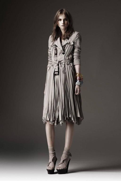 Burberry Prorsum 2010 Silk Coat-Dress with Full Pleated Skirt and Tulle Overlay 6