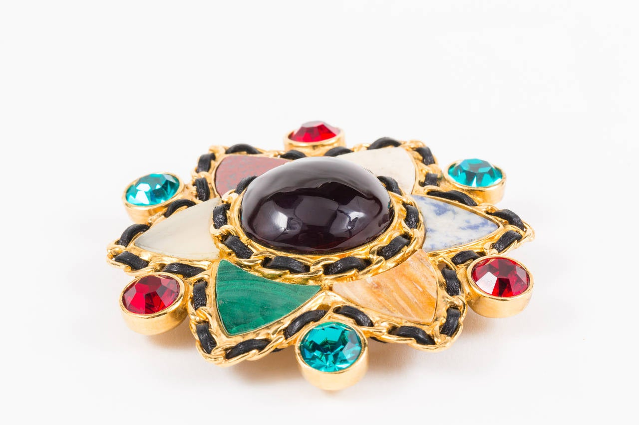 Gripoix and Hardstone Gilt Brooch by Chanel In As New Condition For Sale In Los Angeles, CA