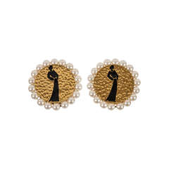 Pair of Chanel Silhouette Ear Clips