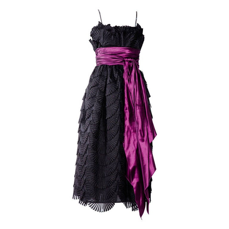 Vintage 1980s NINA RICCI black fan patterned lace silk cocktail dress