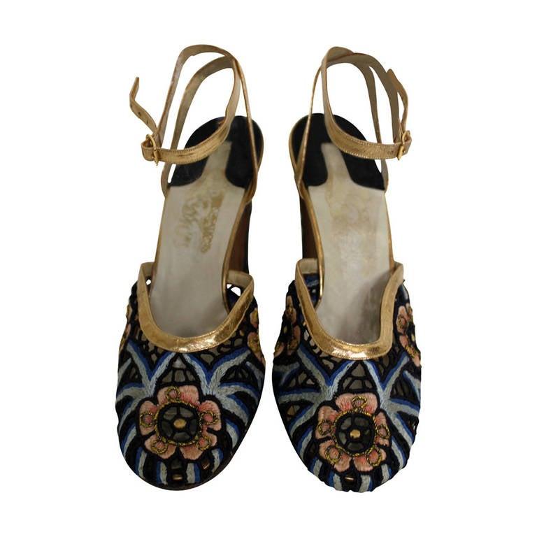 Ferragamo 1930s Tavarnelle Floral Pumps with Gold Leather Straps 1