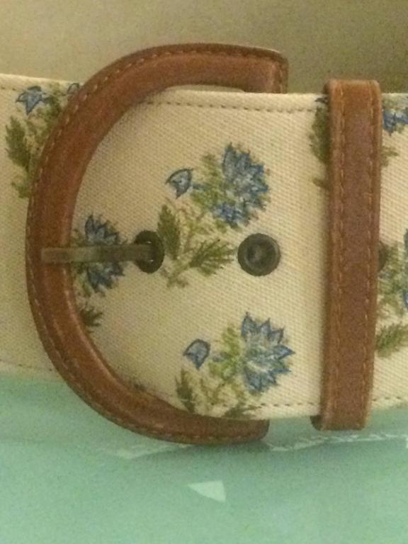 Oscar de la Renta Natural Cream Canvas Covered Leather Belt Blue Floral Print In Good Condition For Sale In San Francisco, CA