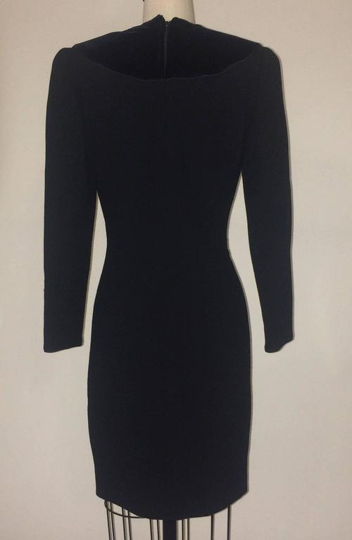Oscar de la Renta 1990s Long Sleeve Black Dress with Velvet Swirl Detail In Excellent Condition For Sale In San Francisco, CA