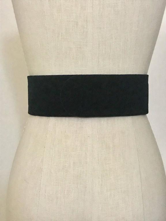 Women's Alexander McQueen Crystal Embellished Black Velvet Wide Waist Snap Belt For Sale