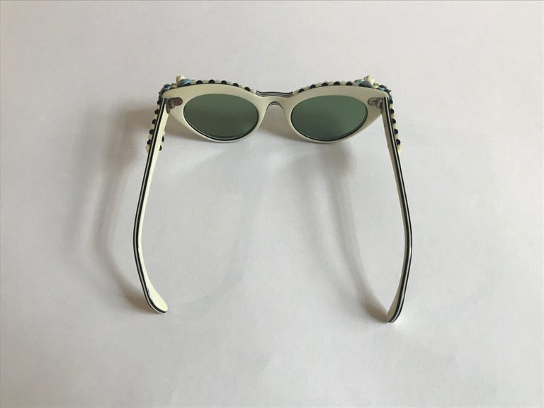 Women's Schiaparelli Cabana Floral Cat Eye Sunglasses in Creamy White and Black, 1950s  For Sale