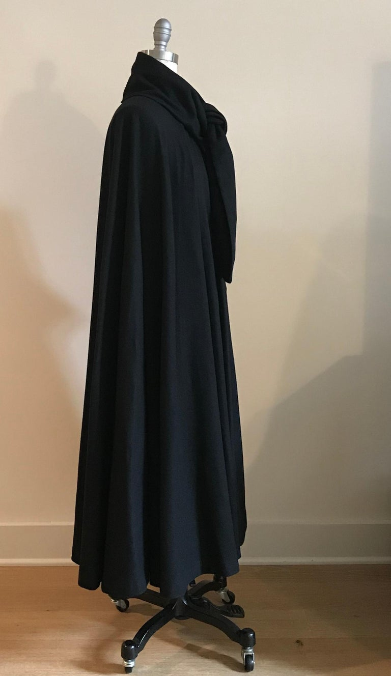 Geoffrey Beene 1970s Black Long Cloak Cape with Tie Neck Scarf Collar Detail In Good Condition For Sale In San Francisco, CA