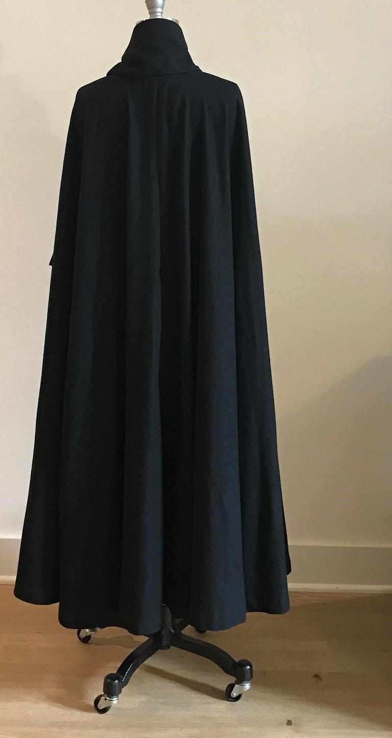 Women's Geoffrey Beene 1970s Black Long Cloak Cape with Tie Neck Scarf Collar Detail For Sale
