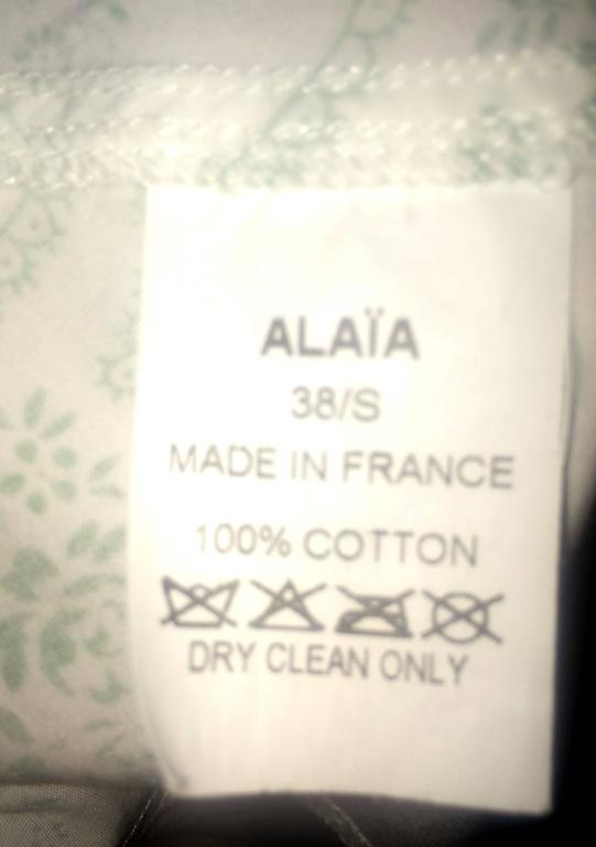 Azzedine Alaia White and Green Paisley Flair Bottom Pencil Skirt  In Good Condition For Sale In San Francisco, CA