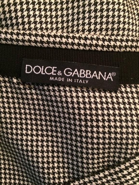 Dolce & Gabbana Black and White Houndstooth Pencil Skirt with Mauve Lace Accents 4