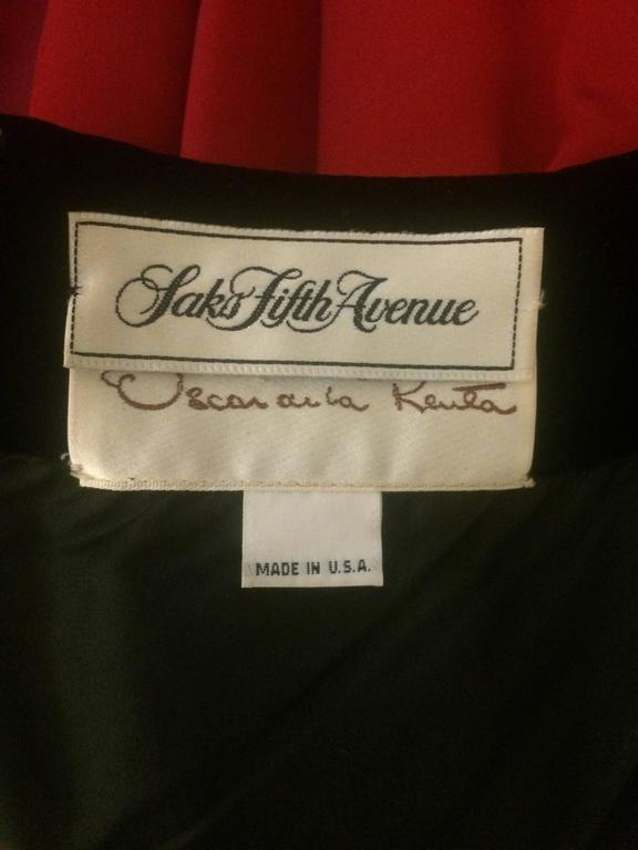 Oscar de la Renta Vintage 1990s Black Velvet Red Satin Ball Gown Evening Gown In Good Condition For Sale In San Francisco, CA