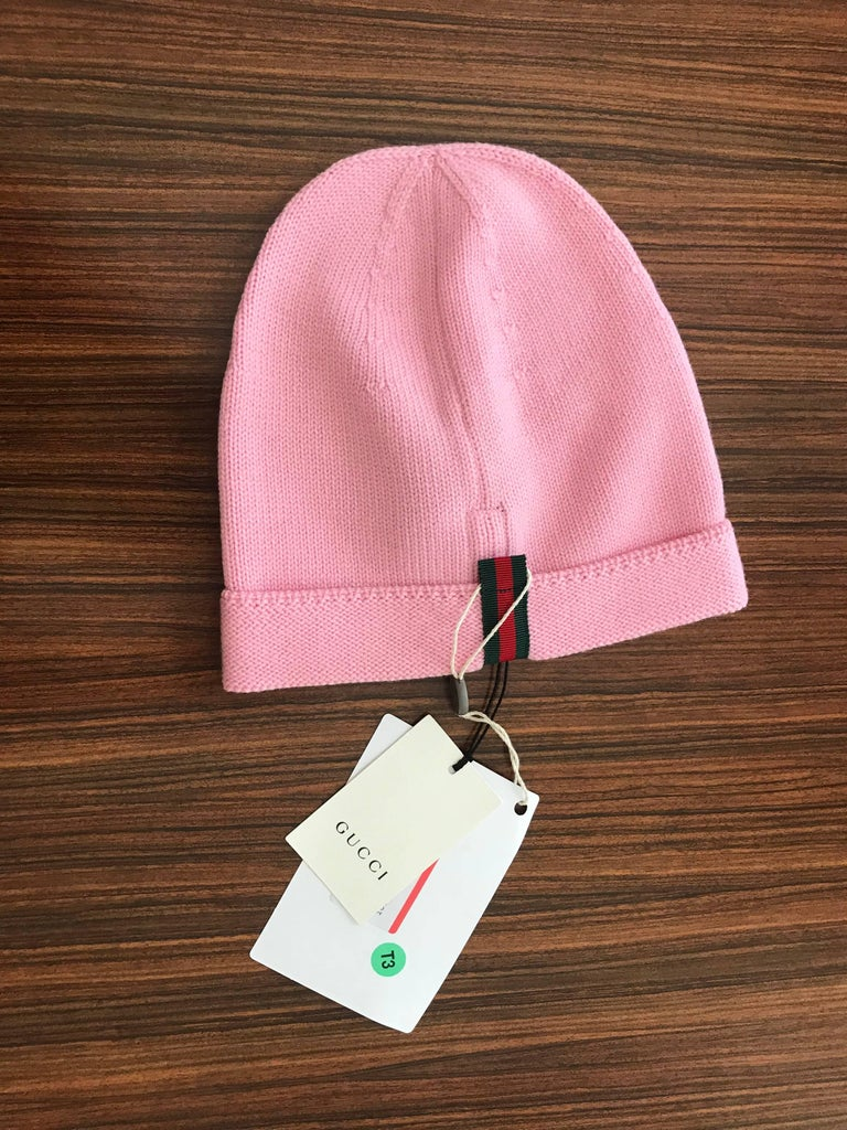New Gucci Loved Red Sequin Pink Knit Slouchie Beanie Wool Hat In New  Condition For Sale 392df1727